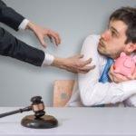 Способы взыскания долгов с физических лиц: мирным путем, через суд и с помощью коллекторов