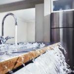 Что делать, если вы затопили соседей снизу? Как избежать возмещения материального ущерба?
